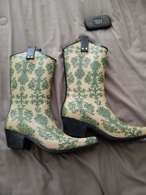 NOMAD RUBBER RAIN BOOTS WOMANS SIZE 9 for Sale in Greensboro, NC