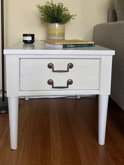White End/Side Table, One Drawer for Sale in Los Angeles,  CA