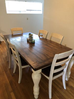 Farm style dinner table for Sale in Fort Leonard Wood, MO