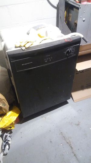 Frigidaire dishwasher like new for Sale in Detroit, MI