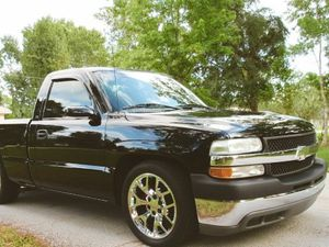 Beautiful Car Chevy Silverado 2000 For Sale for Sale in Clifton, NJ