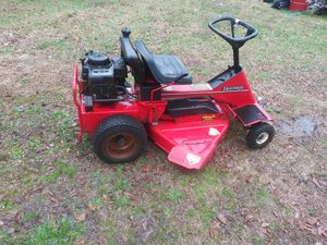 Snapper rideing lawnmower for Sale in Lawrenceville, GA