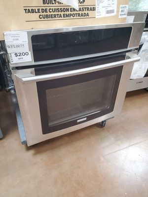 Electrolux Electric Single Wall Oven for Sale in Corona, CA