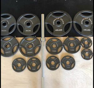 300lb Olympic Weight Set w/Bar for Sale in Washington, DC