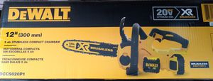 DeWalt chainsaw 12 inch 30 cm with battery charger for Sale in Tukwila, WA
