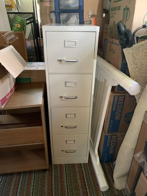 4 Drawer file cabinet for Sale in Venice, FL