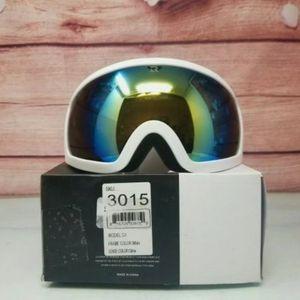 Retrospec Traverse G1 Ski, Snowboard, Snowmobile Goggles, Color White/Citrine for Sale in Huntington Beach, CA