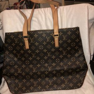 Louis Vuitton tote purse for Sale in Raleigh, NC