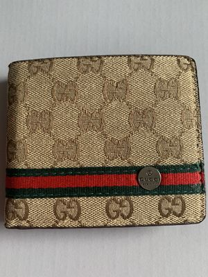 Gucci GG Supreme Bifold Wallet for Sale in FL, US