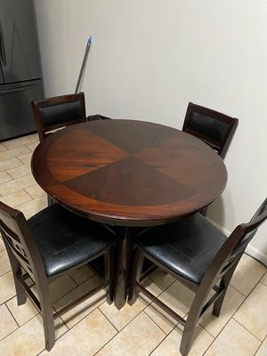 Dinning Table 5pc for Sale in Los Angeles, CA