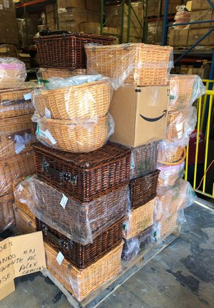 Picnic baskets various sizes SUPER SALE for Sale in Coral Gables, FL