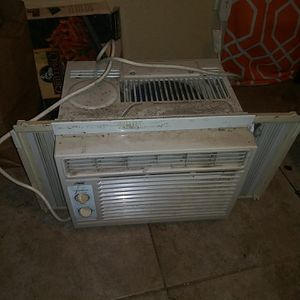 Artic king window ac unit for Sale in Houston, TX
