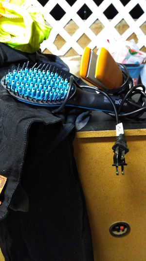 Hair brush straightener and flat iron straightener for Sale in Tolleson, AZ