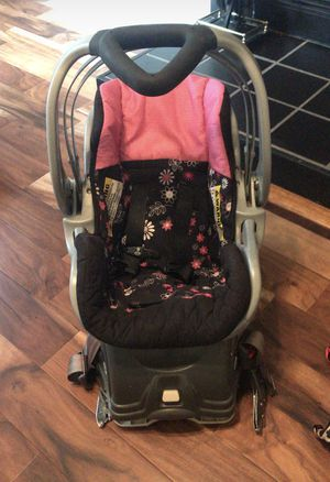Baby trend car seat for Sale in Newport News, VA