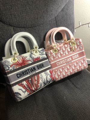 REAL CHRISTIAN DIOR SMALL TOTE BAGS! PERFECT FOR CHRISTMAS TIME! for Sale in St. Louis, MO