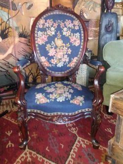 Parlor Chair for Sale in Baltimore,  MD