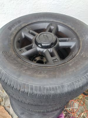 60 obo all 4tiresz n rims 2 of the tires r bold for Sale in NO FORT MYERS, FL