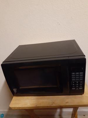 Black microwave for Sale in Davenport, FL