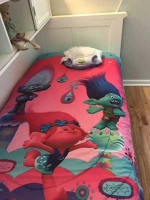Trolls comforter with pillow for Sale in Marietta, GA