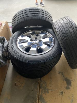 Jeep tires and wheels 245/60/18 for Sale in Aliso Viejo, CA