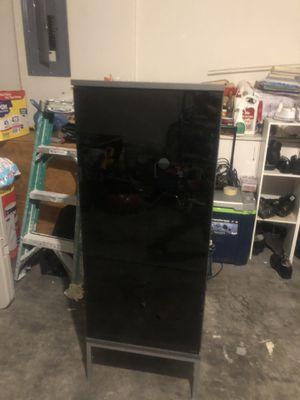 Cabinet/shelf for Sale in Las Vegas, NV