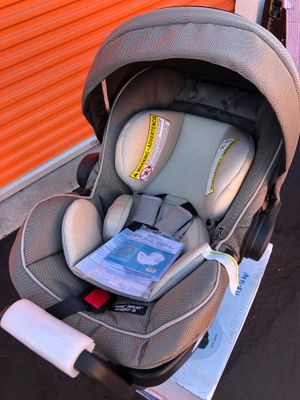 Graco SnugRide SnugLock Extend2Fit 35 Infant Car Seat, Haven for Sale in Westminster, CA