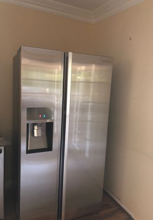 Sumsung inner case show case refrigerator for Sale in Los Angeles, CA