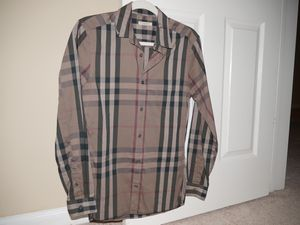 Burberry shirt for Sale in Silver Spring, MD