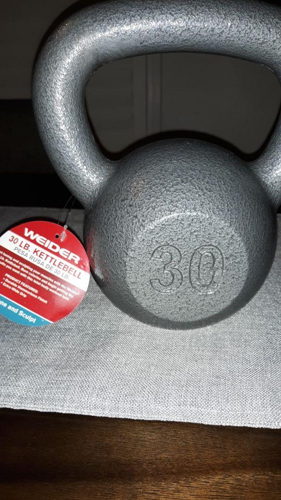 BRAND NEW Weider cast iron kettlebell, 30lbs