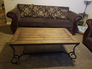 Coffee table for Sale in Lancaster, CA