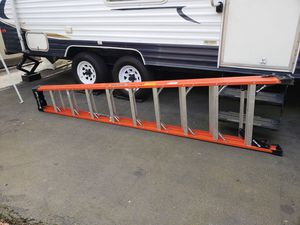 Like brand new 10ft fiberglass step ladder for Sale in Vancouver, WA