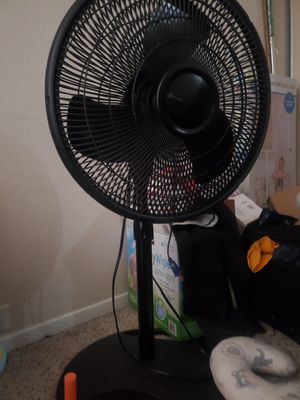"Lasko 16"" Oscillating Pedestal Stand 3-Speed Fan, Model S16500, Black color. for Sale in Houston, TX"