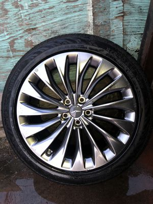 genesis rims and tires for Sale in Los Angeles, CA