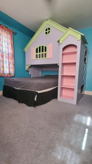Doll house bunk bed for Sale in TN OF TONA, NY