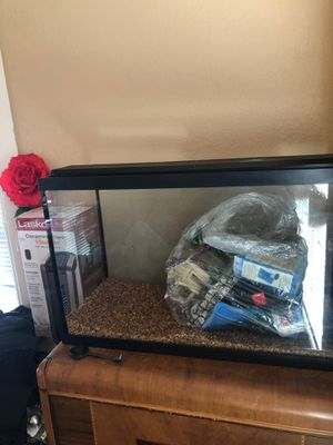 Fish tank for Sale in Richmond, CA