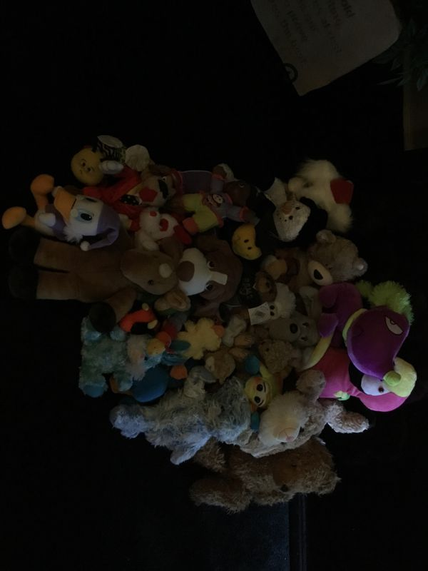 Gently used teddy bears make offer or pick one like too take home