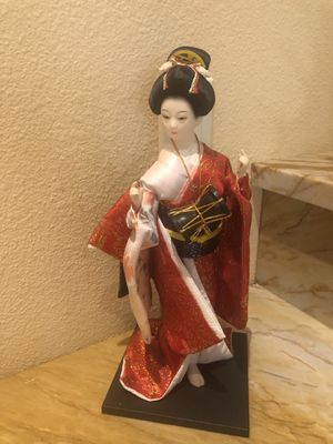COLLECTIBLES Doll for Sale in Orlando, FL