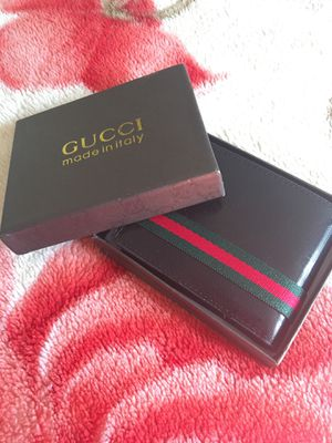 Gucci wallet for Sale in Laurel, MD