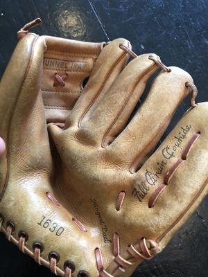 Vintage cowhide baseball glove for Sale in St. Petersburg, FL