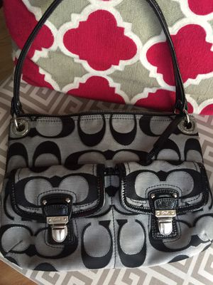 Coach Signature Handbag, Wallet & 1 Keychain for Sale in Charlotte, NC