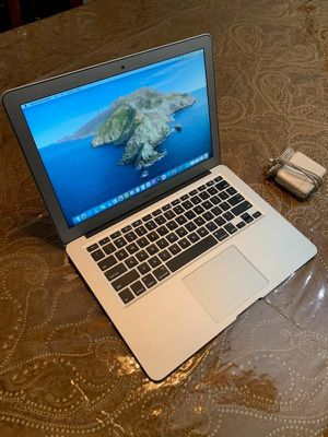 2017 Macbook Air with Charger for Sale in Jacksonville, FL