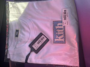 Kith mosaic tee off white size small XL for Sale in Monterey Park, CA