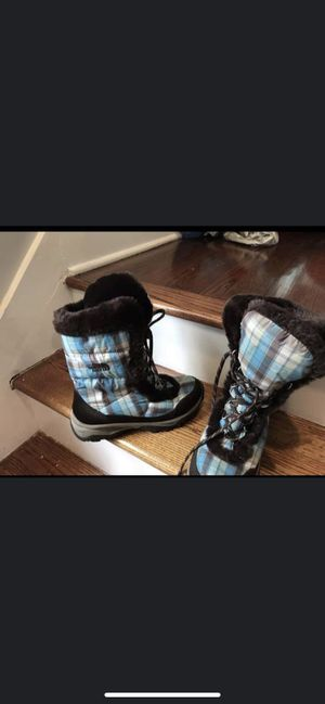 NF girls boots sz 5 for Sale in Chicago, IL