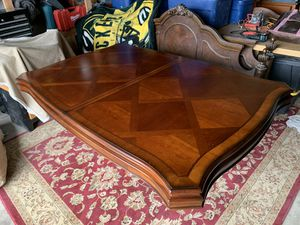 Vintage dining room table for Sale in Montclair, CA