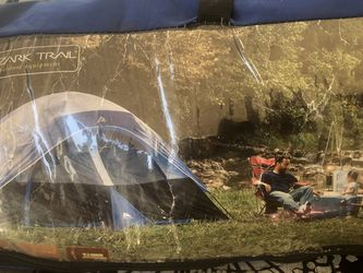 6 Person 2 rooms -excellent Condition Tent for Sale in Lynwood,  CA