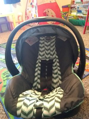 Evenflo infant car seat for Sale in Lubbock, TX