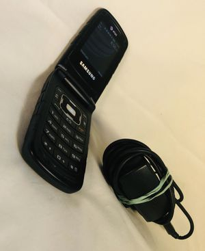 Samsung flip phone SGH-A847 AT&T with charger for Sale in East Hampton, CT