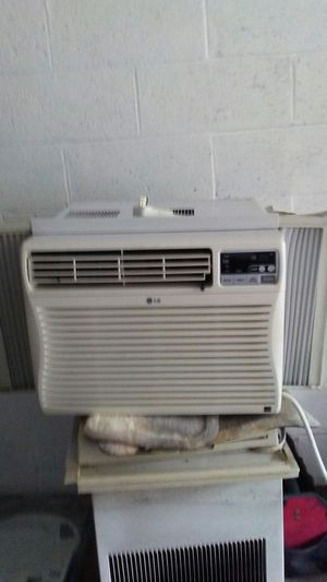10,000 BTU WINDOW ac for Sale in Chester, PA