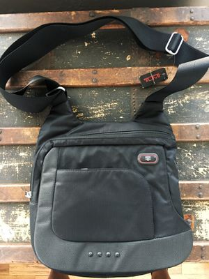 Tumi Messenger Bag - brand NEW for Sale in Los Angeles, CA