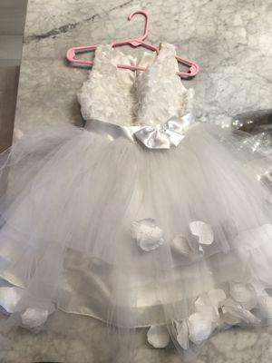 Flower girl fancy dress size 2 runs big for Sale in Hialeah, FL